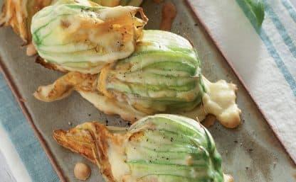 Il Cucchiaio d'Argento Vegetariano - Fiori di zucca ripieni di tofu e olive